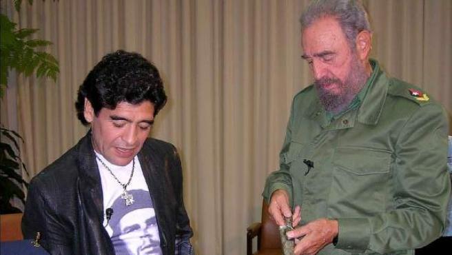 Maradona, a baloldali futballikon